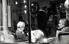 Cafe Culture (Bury Gardener) Tags: burystedmunds suffolk 2019 people peoplewatching folks nikond7200 england eastanglia uk streetphotography street streetcandids snaps strangers candid candids bw blackandwhite britain monochrome mono abbeygatestreet