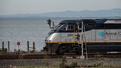 Between the Signals (lennycarl08) Tags: herculesca amtrakcalifornia f59phi trains railroad locomotive