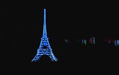 la tour Eiffel ... The Eifel Tower (Bob (sideshow015)) Tags: night christmas noel lights nikon 7100 display burliington ontario canada