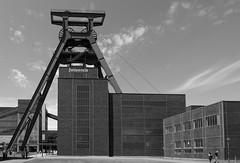 Schacht XII (wpt1967) Tags: bergbau eiffelturmdesruhrgebietes eos1100d förderturm industriekultur routederindustriekultur ruhrgebiet ruhrpott tokina1116mm bw coalmining headframe headgear mining sw wpt1967
