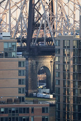 queensboro bridge supported by roosevelt island (wmpe2000) Tags: 2018 nyc spring nyp viewfromhospital bridge queensborobridge arch rooseveltisland img1610a