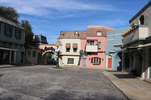 """Universal Studios Backlot: Little Europe / Court of Miracles • <a style=""""font-size:0.8em;"""" href=""""http://www.flickr.com/photos/28558260@N04/44361756980/"""" target=""""_blank"""">View on Flickr</a>"""