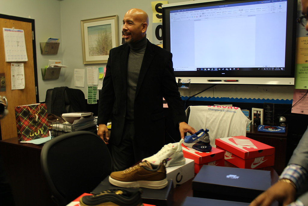 979b7f19a2a8 IMG 1853 (bronxbp) Tags  bronx newyorkcity rubendiazjr  bronxboroughpresident fatjoe sneakers education schools nike terrorsquad