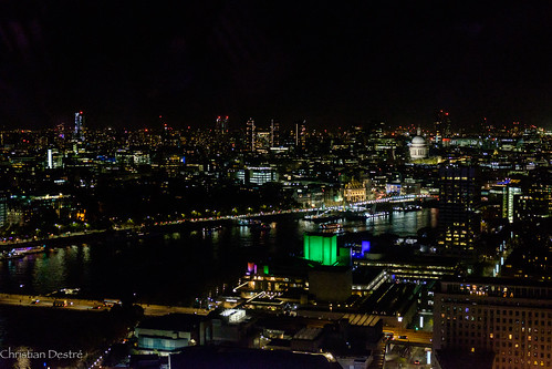 London by night through its eye