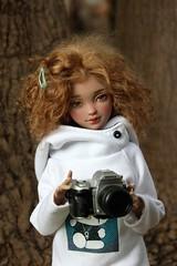 Angel, a budding photographer? (dambuster01) Tags: youpladolls ziya msd jointed bjd camera photography resin artistdoll
