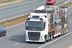 T500 RJJ (Martin's Online Photography) Tags: volvo fh4 truck wagon lorry vehicle freight haulage a1m fairburn northyorkshire nikon nikond7200