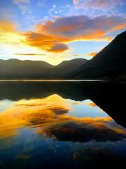 Sola kjem -|- The sun is coming (erlingsi) Tags: erlingsi iphone erlingsivertsen volda rotevatn sunrise sky himmel