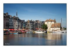 Honfleur - Le Vieux Bassin et la Lieutenance (Rémi Marchand) Tags: canon7d honfleur bassenormandie calvados france vieuxbassin lalieutenance normandie bateaux port
