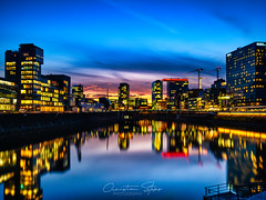 media.harbor.nightfall (grizzleur) Tags: düsseldorf germany de blue hour bluehour urban sunset sky drama gorgeous beautiful reflections light artificial warm medienhafen night nachtaufnahme nacht harbor water longexposure romantic blur streaky olympus olylove olympusomdem10mkii olympusm17mmf18