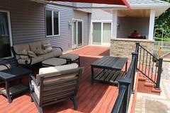 IMG_1101 (Green Oasis Landscapes) Tags: patiofurniture westbury c10 brazalia zuri lamina tandem deck greenoasis badeski after