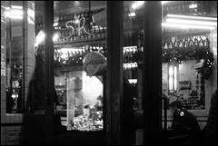 Reflection (madras91) Tags: film ilford hp5 summitar5cmf2 summitar iiif leicaiiif leicascrewmount street streetphotography blackandwhite bw nb noiretblanc monochrome paris café