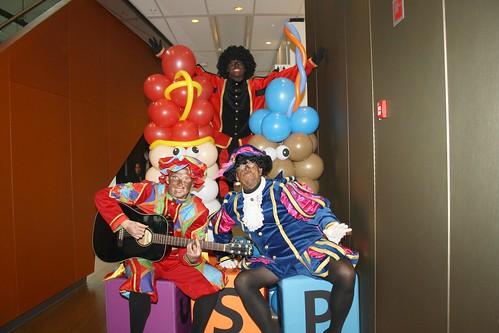 Ballonpilaar Sinterklaas en Zwarte Piet Pels Rijcken Den Haag