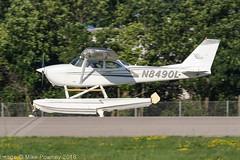 N8490L - 1968 build Cessna 172I Skyhawk, arriving on Runway 36R at Oshkosh during Airventure 2018 (egcc) Tags: 172i airventure airventure2018 ce172 cessna cessna172 dentonfarms eaa floatplane floats givingwingsaviation kosh lightroom n8490l osh oshkosh skyhawk wwwflygwacom