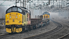 Colas double (Trev 'Big T' Hurley) Tags: 37219 37175 37 class37 colas tractors syphon 6c37 wcml trentvalley rugeleytv topandtailed infrastructure engineers catenary d6875 d6919 englishelectric