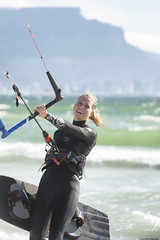 (Rob Millenaar) Tags: southafrica bloubergstrand dolphinbeach people kitesurfing tablemountain