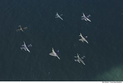 Formação dos caças na CRUZEX 2018 (Força Aérea Brasileira - Página Oficial) Tags: a1m a4 a4skyhawk af1 amx bra brasil brazil brazilianairforce braziliannavy chl cruzex cruzex2018 cessnaa37dragonfly chile dassaultmirage2000p embraer f16c f5 f5etigerii f5em fab fach fighter forcaaereabrasileira forçaaéreabrasileira fotojohnsonbarros generaldynamicsfokkerf16amfightingfalcon generaldynamicsf16amfightingfalcon generaldynamicsf16cfightingfalcon generalelectricj85 m2000p mb marinhadobrasil mcdonnelldouglasaf1skyhawk mediaflight natalrn northropcorporation peruairforce ury usa usaf uruguaiairforce aeronave aircrat airplane avião caça monoplace turbofan turbofanrollsroycespey807 turbojato turbojet natal rn 181120joh0079johnsonbarros
