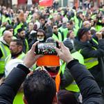 Les gilets jaunes manifestent à Avignon thumbnail