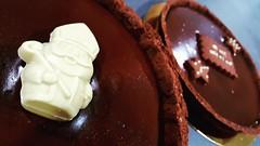 Tarte 100% cacao et caramel beurre salé. (Claire Coopmans) Tags: tarte pie chocolat chocolatnoir chocolate cacao cocoa biscuit sablé patisserie patisseriedudimanche dessert saintnicolas belgique belgium cake