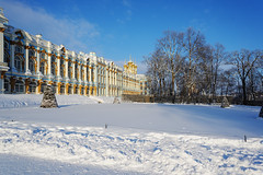 Sunny frosty day. Church of Resurrection. (fedoseenko) Tags: санктпетербург россия красота colour природа beauty blissful loveliness beautiful saintpetersburg sunny art shine dazzling light russia day park peace blue white голубой небо лазурный color sky pretty sun пейзаж landscape clouds view mood serene gold colours picture tree nature alley history trees tsar walkway field outdoors old d800 wood cupola building architecture domes town winter snow cloud снег облака архитектура дворец здание freeze frost frosty 24120mmf3556d orthodox religion holy