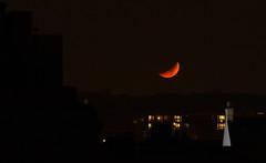 Moonset 13 Dec 2018 (Sculptor Lil) Tags: moon london canon700d moonset waxingcrescent