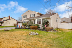 D75_5810 (njhomepictures) Tags: 08846 85louisave century21goldenpostrealty middlesex middlesexcounty nj njhomes njrealestate njrealestatephotographer njrealestatephotography parealestate photographybystephenharris rivertownphotography somersetcounty shirlee colanduoni