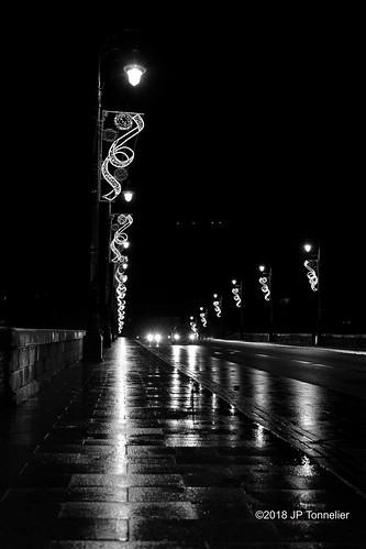 Nuit de pluie, sur le Pont Neuf, Toulouse