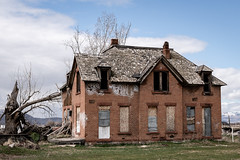 Old Abandoned House (camkelco12) Tags: sigma30mmf14dcdncontemporary utah sony a6500 abandoned sigma 30mm derelict dilapidated history old house