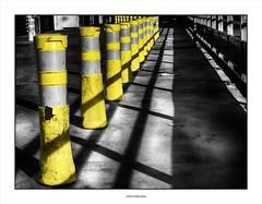 Jeu de quilles pour CRS/ Bowling game for cops !! (michel di Méglio) Tags: ombre lumière jaune yellow marseille silverefex noir blanc selectivecolor olympus 40150 zuiko