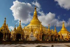 Yangon Shwedagon Pagoda, Myanmar (Sigmundur Andresson (1.9 million+ views-Thank you!) Tags: sigmundurandresson canoneos5dmarkii canonef1635mmf28liiusm img6899 myanmar yangon yangonshwedagonpagode golden pagoda shwedagonzedidaw shwedagon burma travel sky tower architecture saariysqualitypictures