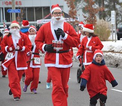 2018 The Santa Pur-suit (runwaterloo) Tags: julieschmidt sneakpeek 2018santapursuit3km 2018santapursuit santapursuit3km runwaterloo