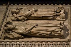 Sepulcros de Pedro IV de Aragón y Leonor de Sicilia (Fernando Two Two) Tags: poblet sepulcre sepulcro tumba tomb king rey rei queen reina