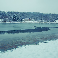 Day 27 of 365 - Cold (gcarmilla) Tags: cold freddo virginia winter inverno casa lago lake snow neve gelo gelato frozen frio invierno nieve cielo agua acqua alberi shenandoah parco