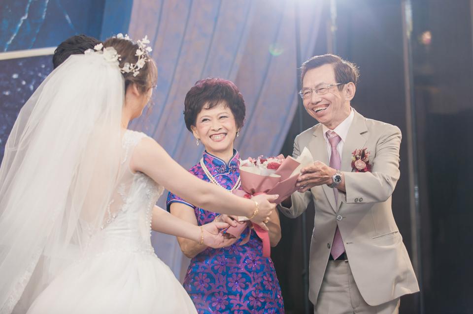 台南東東宴會式場 婚宴 走在幸福的紅毯上 R & B 125
