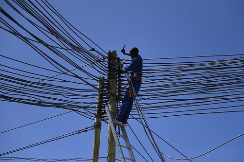 SRSG Visits Power Plant in Somalia