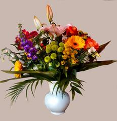 A bouquet of spring flowers (lucianomandolina) Tags: blumen bunt frühling schön rot gelb grün blüte blätter flower colorful spring beautiful red yellow green art