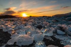 Jökulsárlón Glacier Lagoon at Sunset D85_7905.jpg (Mobile Lynn) Tags: water rock eveninglight glacier ice landscape mountain landscapephotography outdoorphotography hornafjörður easternregion iceland is