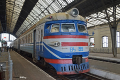 ER9-195 (Kevin Biétry) Tags: er er9 er9195 ukraine ukraïna ukrzalyznytsia ukrzaliznytsia lviv lvivtrainstation lwow lemberg sex sexy train zug treno trench d3200 d32 d32d nikond3200 nikon kevinbiétry kevin keke kequet kequetbiétry kequetbibi fribspotters