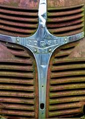 Dodge (J Wells S) Tags: dodgetruck grillornament hoodornament logo emblem rust rusty crusty junk mantiques reading cincinnati ohio