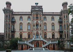 SDIM2576-f (christoph.schaupper) Tags: castellodinovello castellonovello castello historichotels historischehotels neugotik novello piemonte piemont langhe historismus