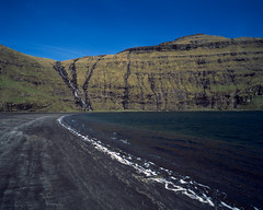 Saksun beach (JaZ99wro) Tags: exif4film faroe f0367 ocean provia100f e6 tetenal3bathkit water plustekopticfilm120 pentax67ii blue analog film waves beach