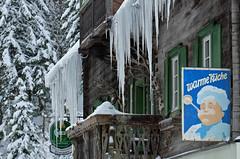 WARME KÜCHE (WARM KITCHEN) (LitterART) Tags: nagelschmiede gasthaus restaurant kaiserau eis frost eiszapfen kitchen koch cook retro gösser icicles youtube stammtisch