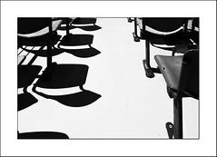 S'évader... (Panafloma) Tags: 2018 aveyron bandw bw catégorieprojet fr famille france géographie nadine nadinebauduin natureetpaysages personnes techniquephoto voyage végétaux bateaulolt blackandwhite bâteau croisière monochrome noiretblanc noiretblancfrance ombres province sièges