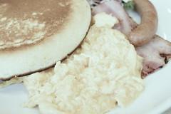 breakfast pancake scramble egg, bacon, sausage RICOH GR 20 (HAMACHI!) Tags: tokyo 2019 japan ricoh ricohgriii ricohimaging ricohgr gr gr3 griii loadtest cameratest shibuya breakfast pancake scrambleegg