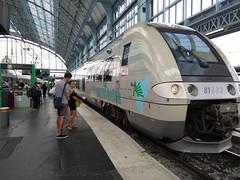 TER 65122 POUR ST MARIENS ST YZAN (marsupilami92) Tags: france frankreich sudouest nouvelleaquitaine bordeaux 33 aquitaine gironde gare sncf chemindefer train teraquitaine b81500
