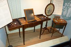 Antique vanity (quinet) Tags: 2017 canada musée ontario rom royalontariomuseum toronto museum