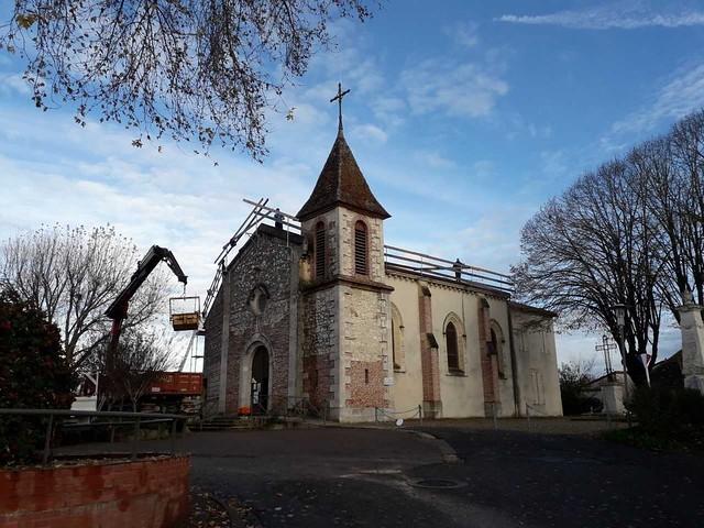 Travaux de la toiture de l'église de Boé Village