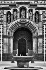 Entrance of the Speyer Dom. (wimjee) Tags: nikond7200 d7200 speyer duitsland germany dom kerk church 1855mmf3556gvr zwartwit monochrome blackwhite silverefexpro2 niksoftware