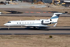 Gulfstream G550 (DPhelps) Tags: kdal dal dallaslovefield dallas texas airport airplane plane aircraft jet business private airliner aviation runway parking garage c spotting gulfstream g550 gv n718mc