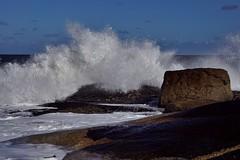 Punta del Diablo - rochers 1 (luco*) Tags: amérique du sud south america uruguay del sur punta diablo rochers rocks vagues waves ocean océan mer sea atlantique atlantic flickraward flickraward5
