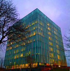 Aberdeen University Library 34 (Golux.) Tags: aberdeen scotland university library sirduncanrice tree trees blue sky reflection light glass